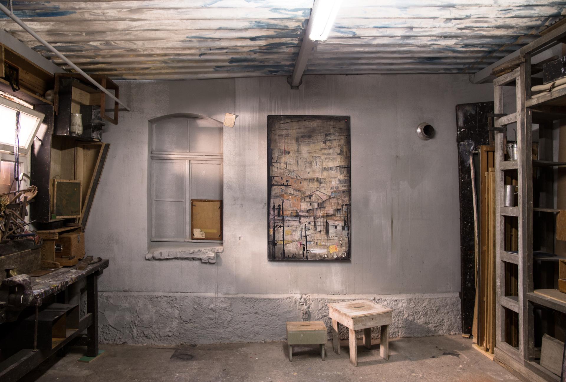 2_gemaelde_paintings_grey_wall