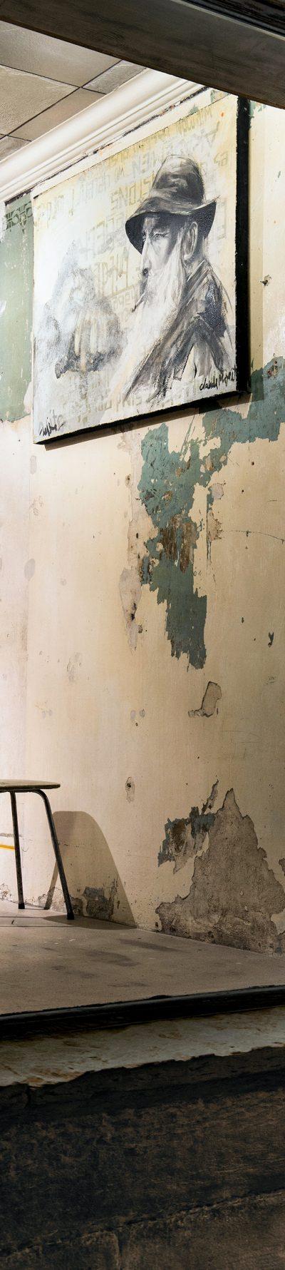 3_gemaelde_paintings_green_wall