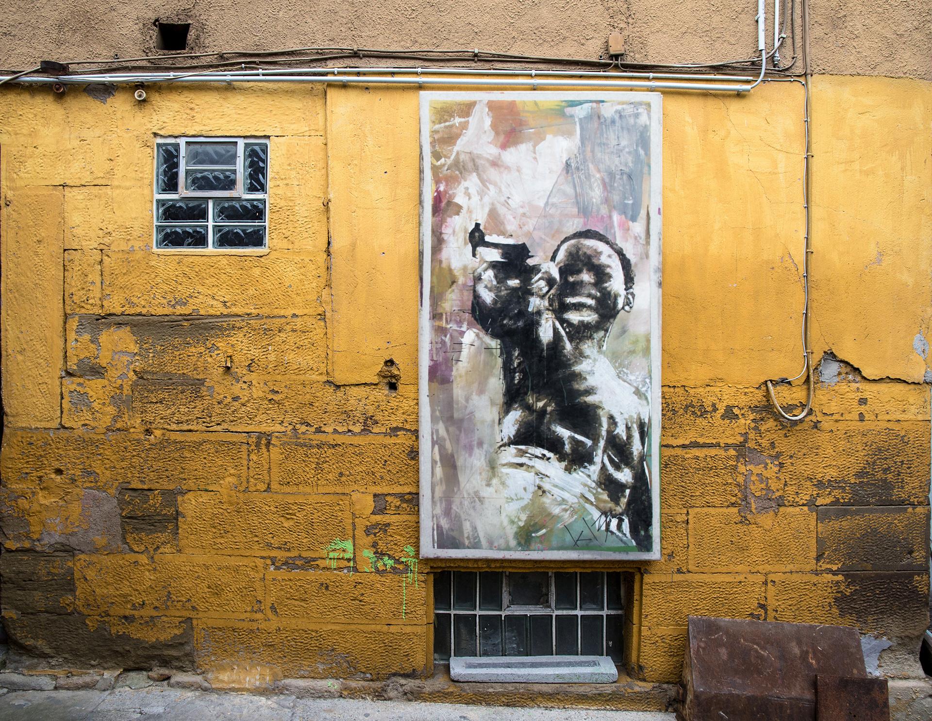 4_gemaelde_paintings_grey_wall
