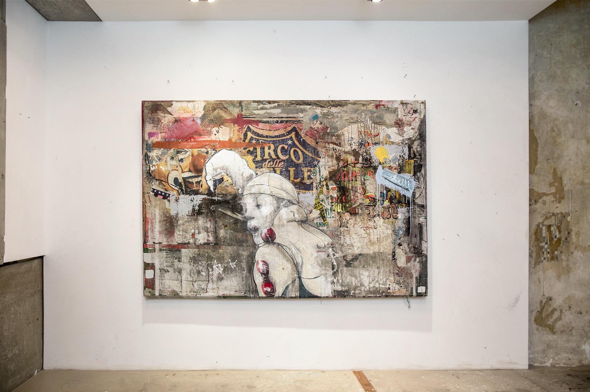 8_gemaelde_paintings_white_wall